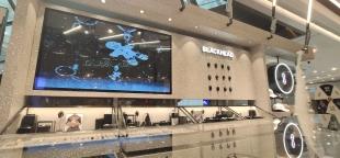 上海港匯廣場——BlackHead黑頭店鋪顯示屏